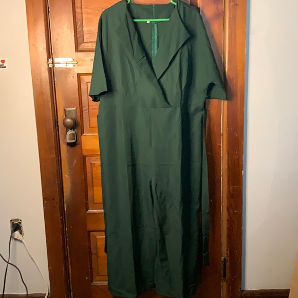 Hunter Green Jumpsuit. 1XL